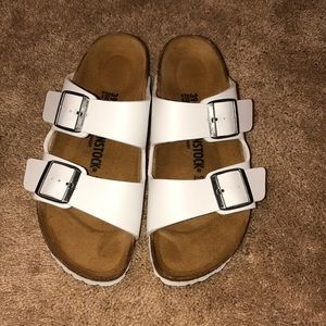 NWOT white leather Birkenstocks